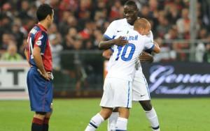 sport_calcio_italiano_genoa_inter_balotelli_sneijder